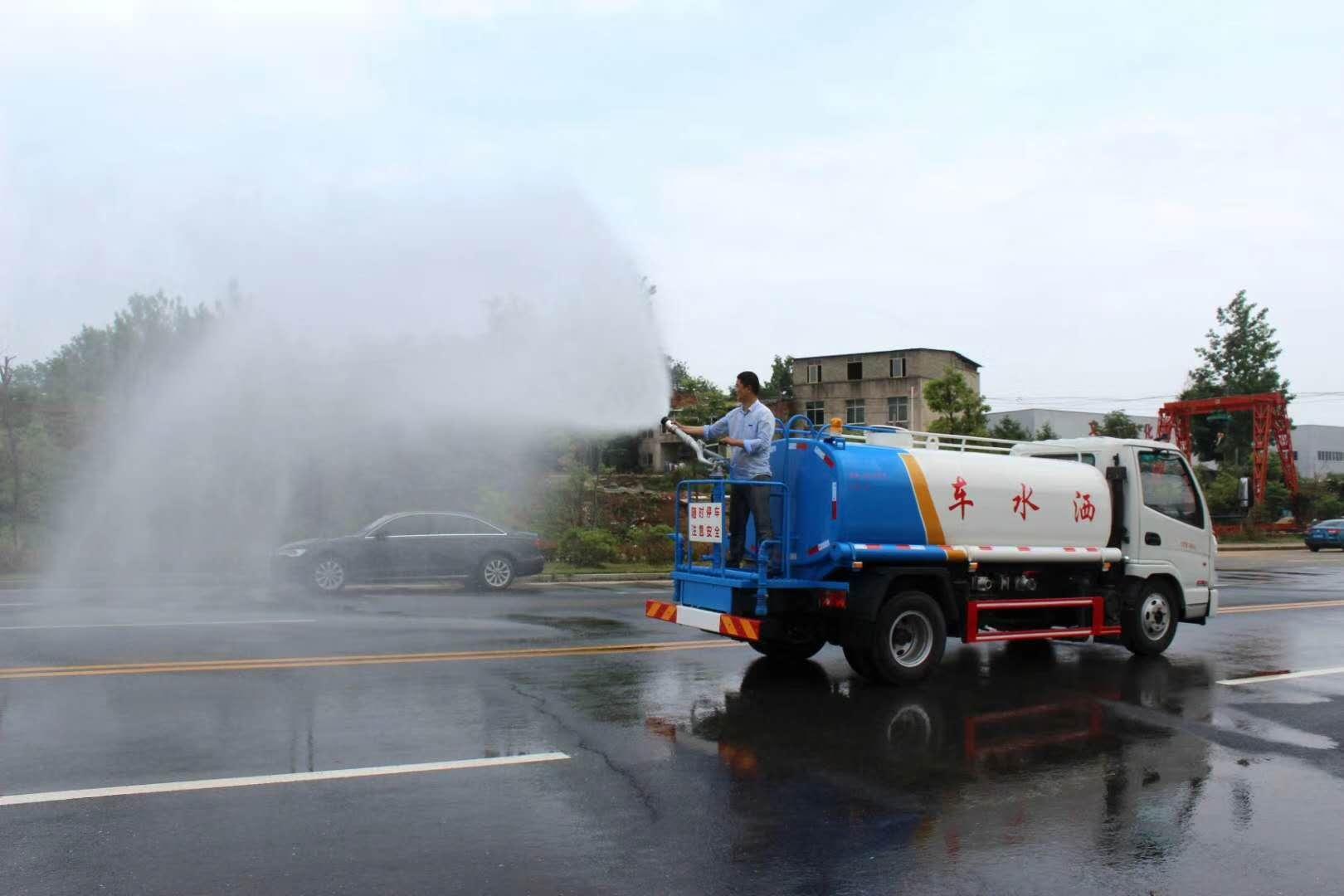 最便宜的5噸灑水車圖片