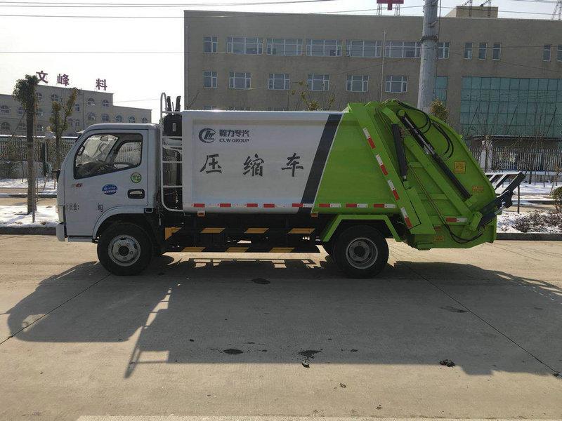 小型垃圾车厂家配置多少钱一辆图片