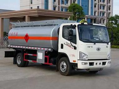 解放J6F 8吨加油车