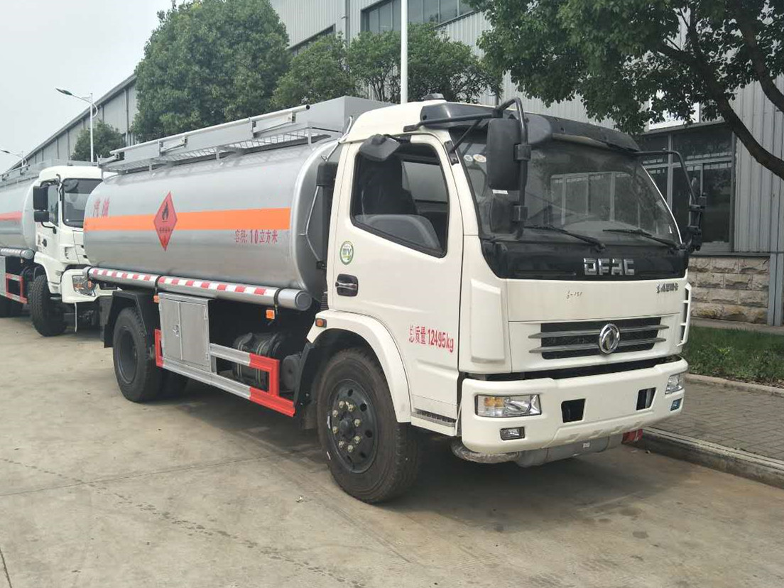 東風D7多利卡10噸加油車