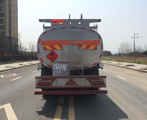 东风D7多利卡10吨加油车图片