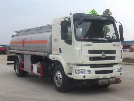 柳汽乘龙10吨加油车