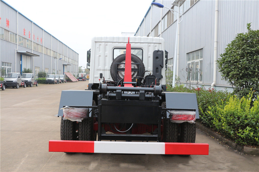 東風多利卡D9(12方)勾臂垃圾車圖片