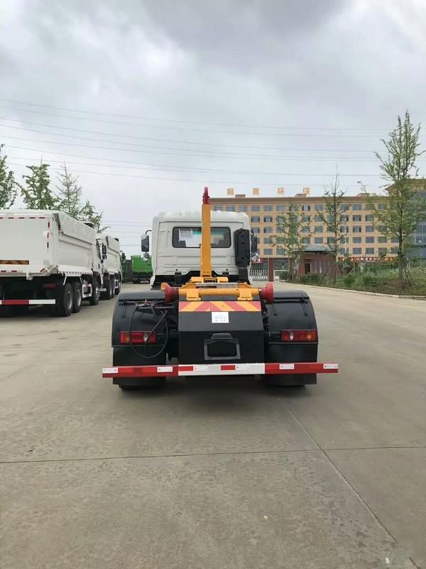 東風天錦12方勾臂垃圾車圖片