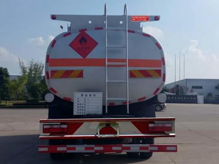 东风多利卡D9 12吨加油车正后照