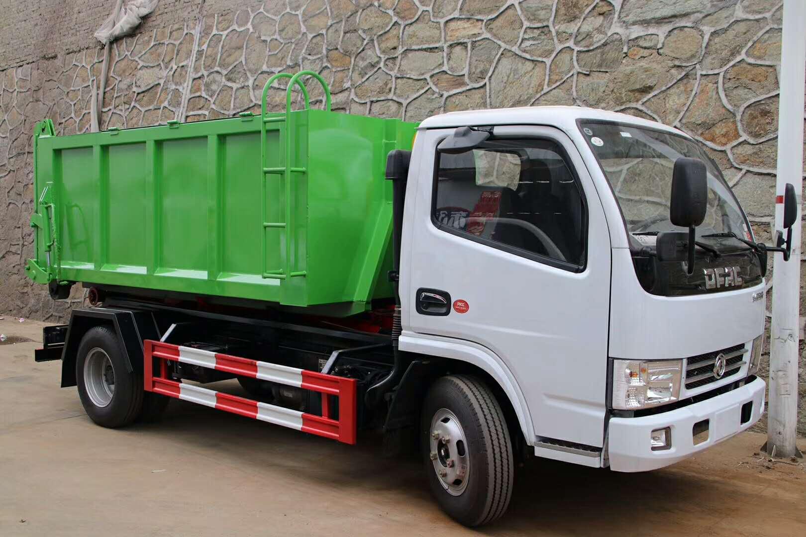 东风多利卡D6勾臂式垃圾车