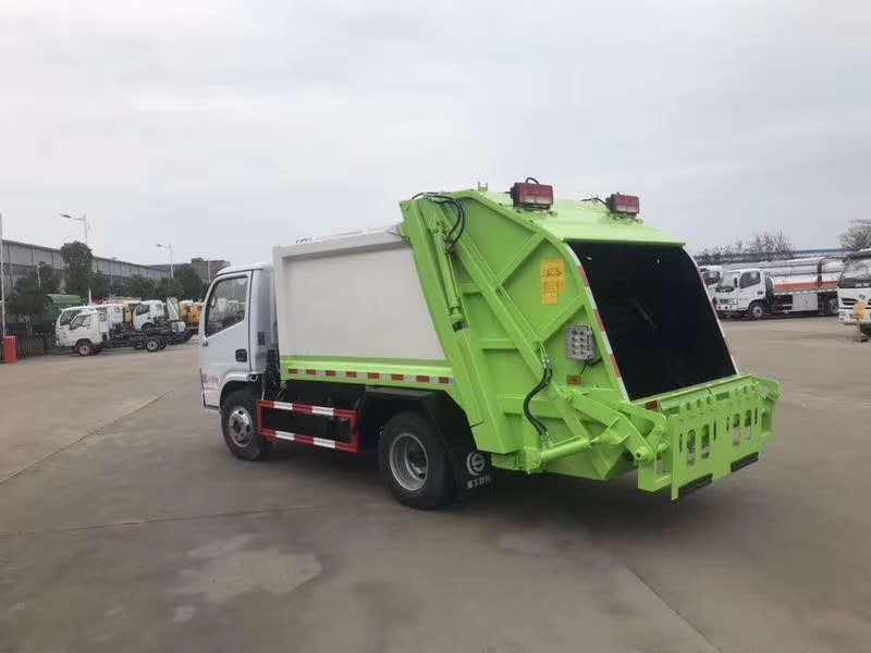 后装式压缩垃圾车_5吨压缩式垃圾车厂家图片