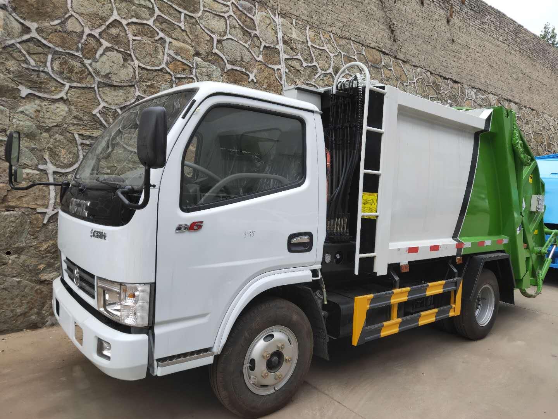 东风多利卡国五压缩垃圾车