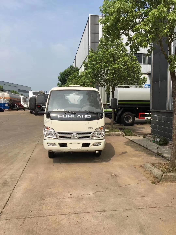 国三不上户5吨洒水车价格_福田小卡5吨洒水车全方位图片图片