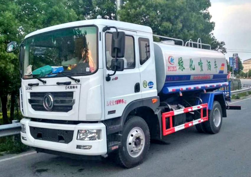东风12吨工地绿化洒水车 康机180马力