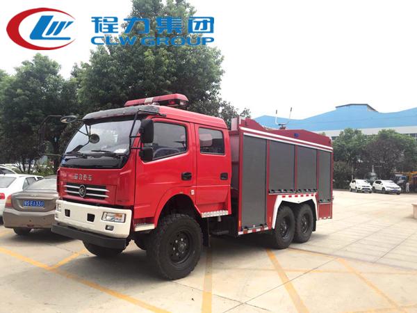 六驱干粉水联用消防车
