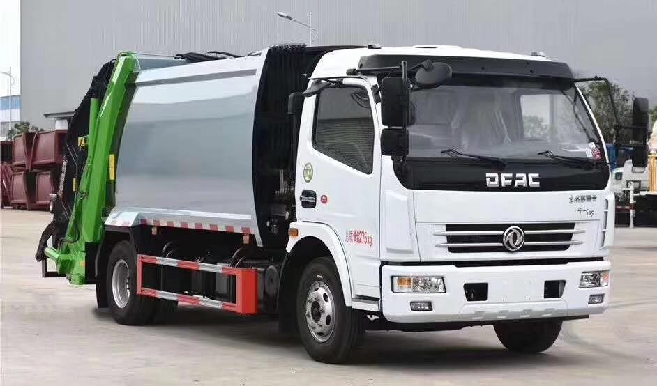 东风大多利卡压缩式垃圾车(国五8方)