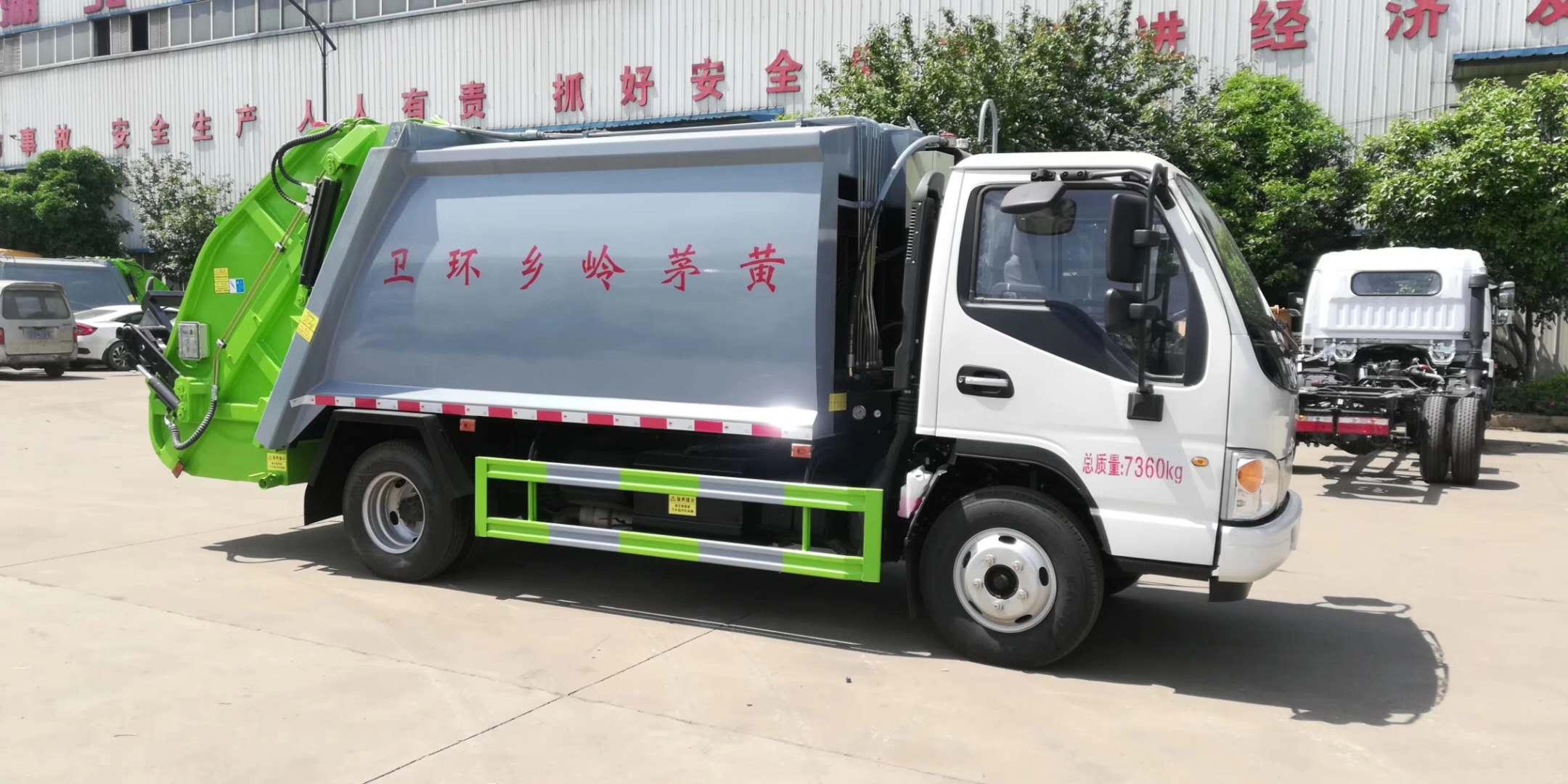后装压缩式垃圾车具体配置图片