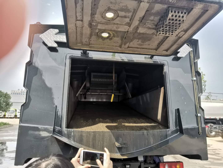 天錦10噸洗掃車重要構造圖圖片