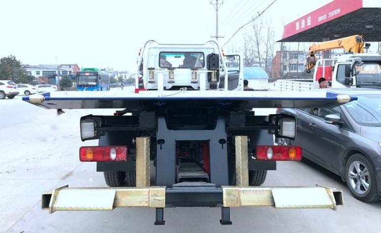 东风天锦一拖二清障车  板长7.2米 (4)