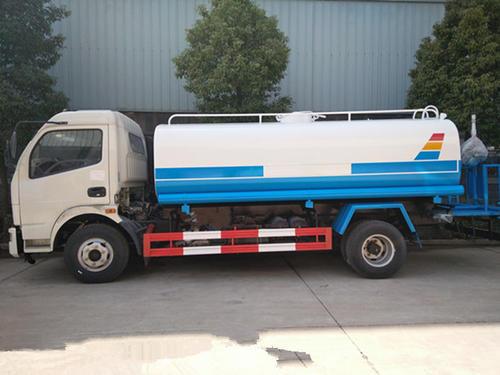 國五東風多利卡 8噸灑水車圖片