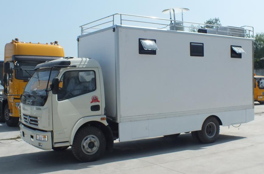 东风多利卡餐车