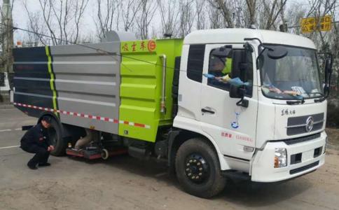 东风多利卡5吨吸尘车,煤厂,矿场,铁厂专用清洁车