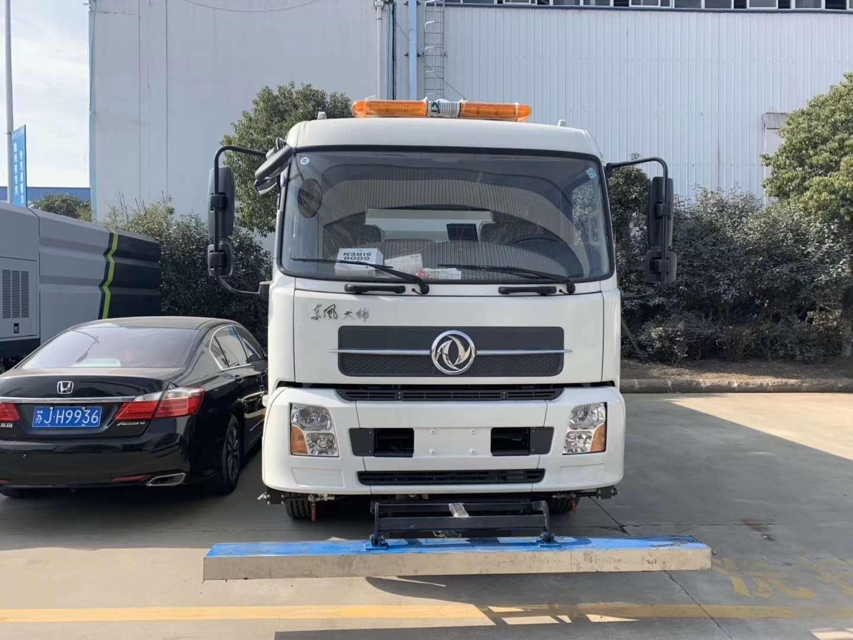 東風天錦10噸洗掃車,機場專用圖片