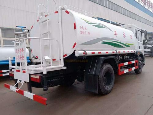 东风T312吨绿化洒水车图片