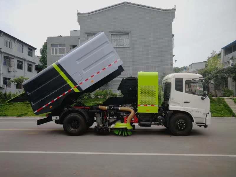 東風天錦干掃車,一種新型的掃路車圖片