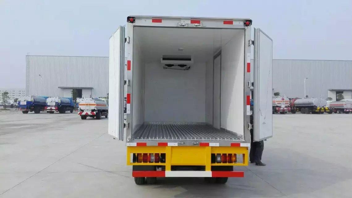 五十铃CLW5040XLCQ5冷藏车正尾部图