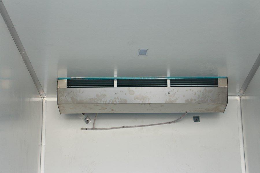 天锦7.7,8.6米冷藏车小三轴冷链机组