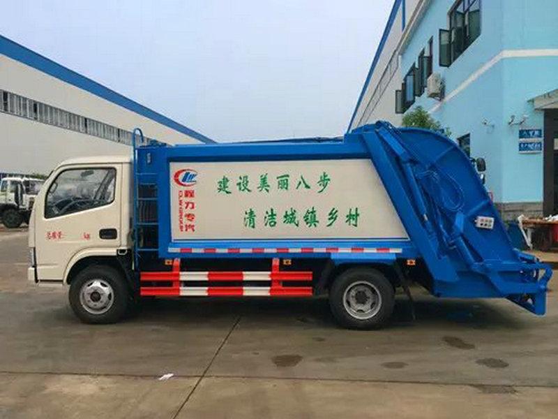 小多利卡壓縮垃圾車 (1)