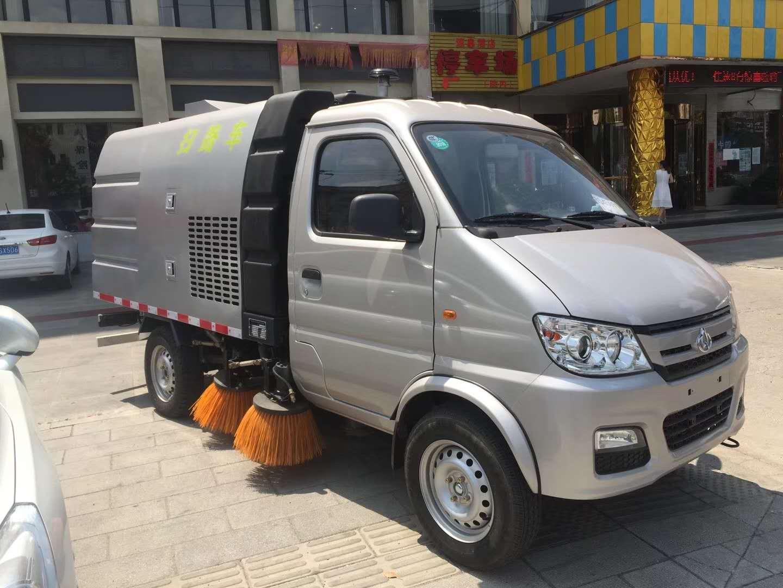 福田3吨扫路车发往上海,加装高压清洗