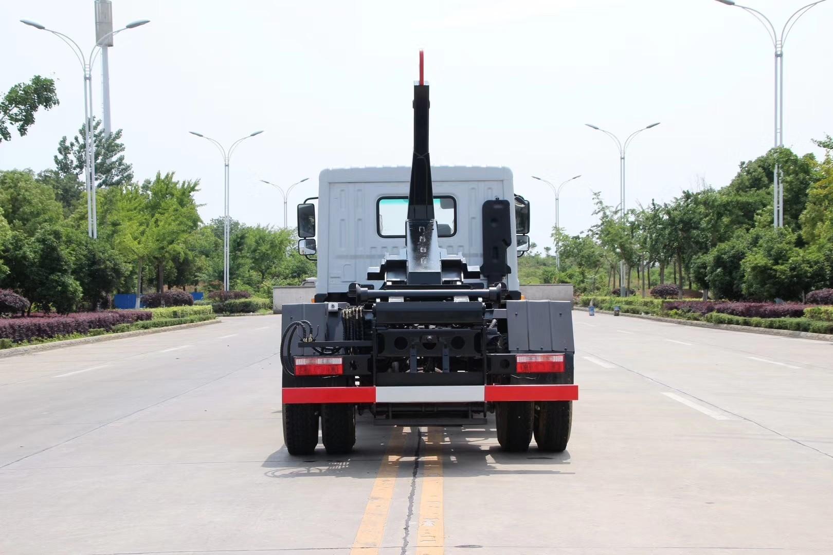国六东风D9多利卡12吨勾臂垃圾车图片