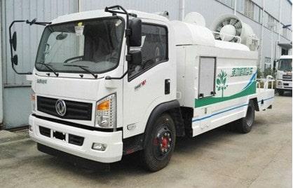 东风5吨多功能抑尘车
