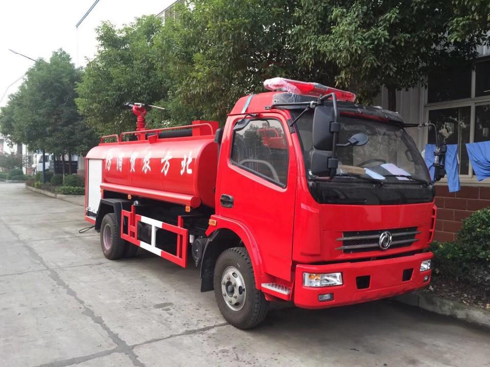東風多利卡7噸消防灑水車(7.7立方)圖片