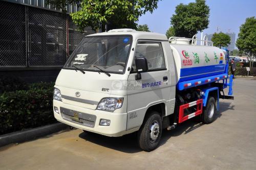 福田小卡3吨洒水车--可上蓝牌的环卫洒水车图片