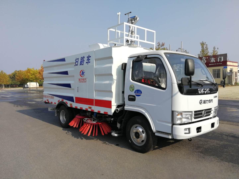 东风小多利卡扫路车加装高炮洒水,水箱容积加到两方,只有您想不到的,没有我们做不到的