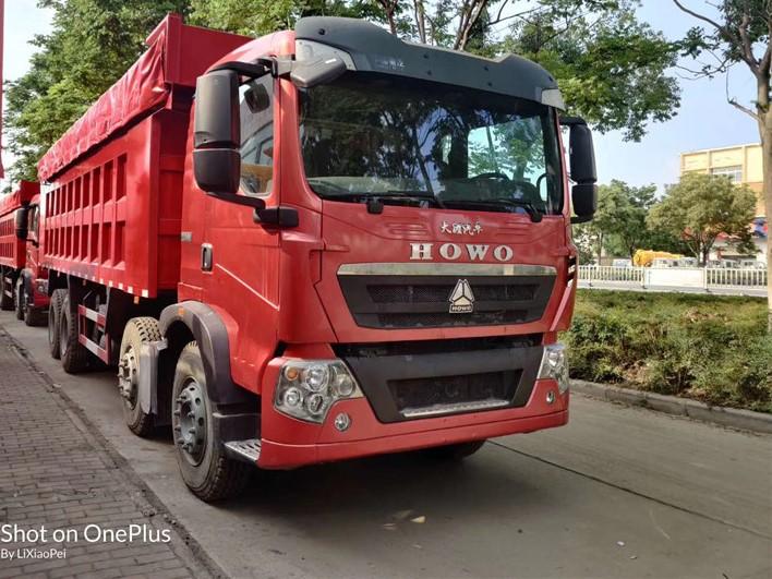 出口型豪沃轻量化自卸车