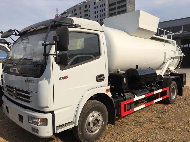 東風D7東風多利卡8噸帶吸污功能的餐廚垃圾車圖片