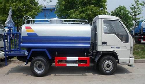 小型灑水車廠家報價  藍牌灑水車視頻