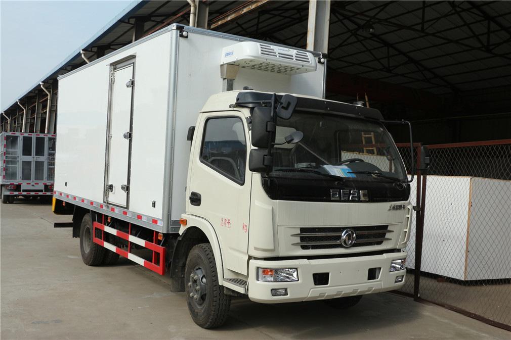 東風大多利卡5.2米冷藏車