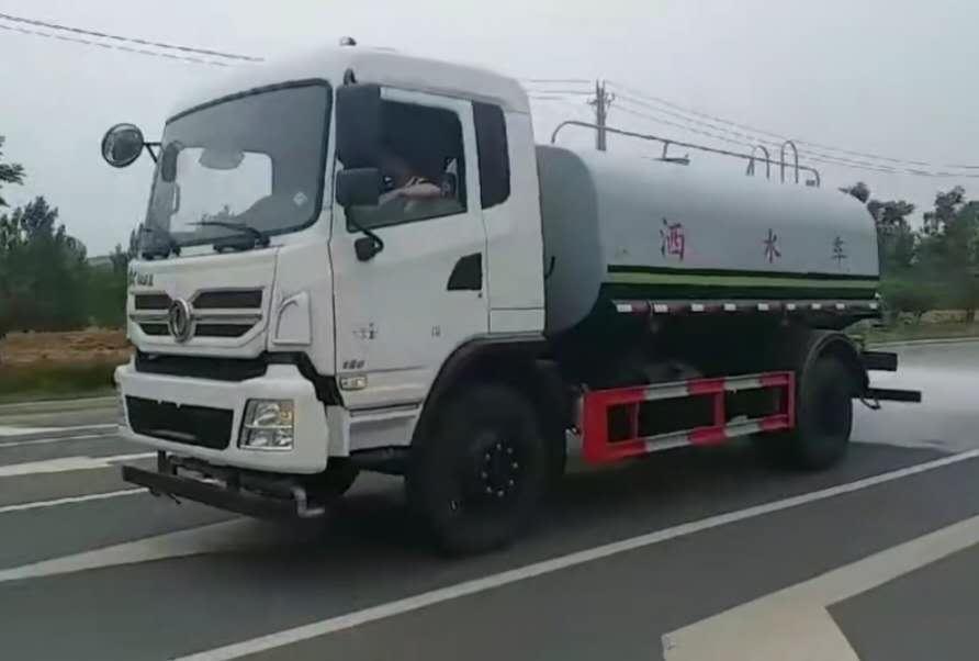 东风专底12方洒水车视频视频