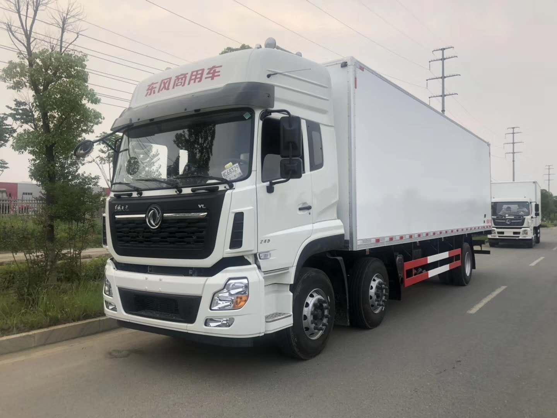 东风天龙9.4米厢体猪肉对接肉钩冷藏车厂家最新价格