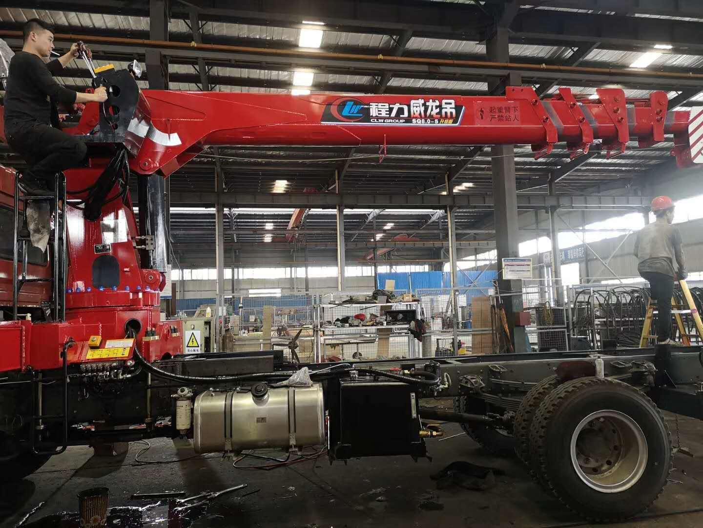 程力威龍吊8噸隨車吊 8噸隨車吊多少錢圖片