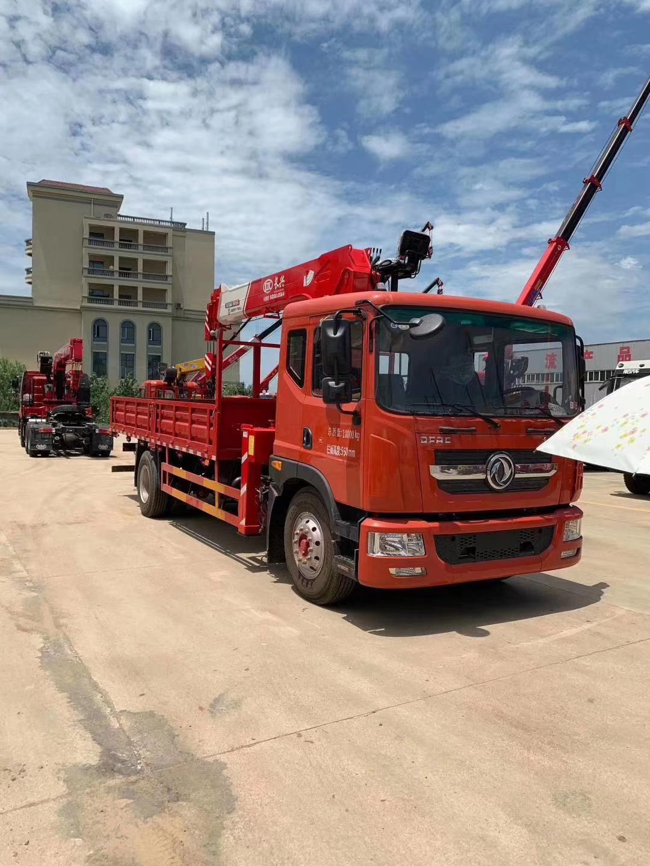 新款D9多利卡180马力8吨随车吊图片