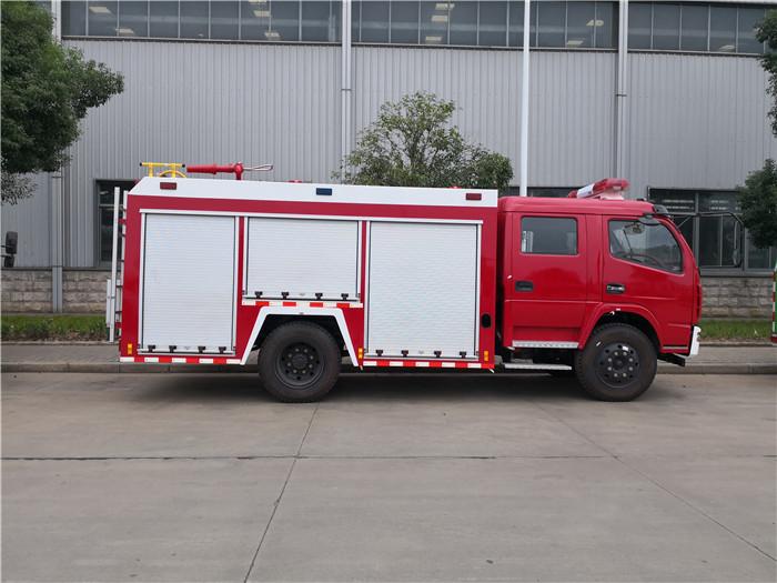 江南东风多利卡D8泡沫消防车水罐消防车厂家现车优惠中