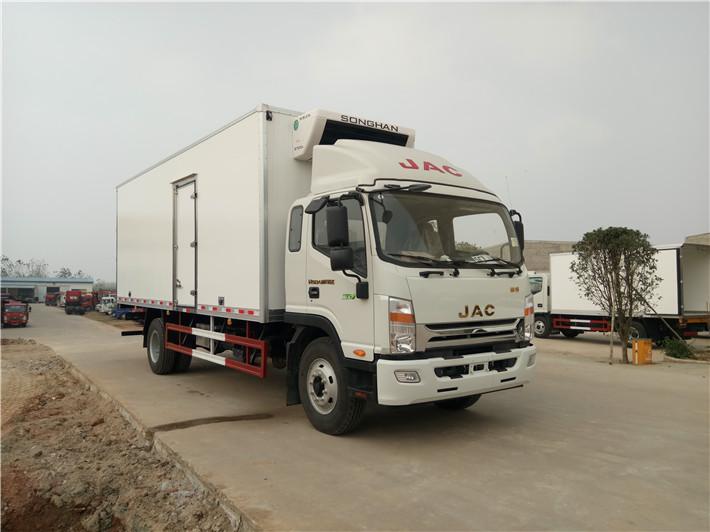 江淮威斯达7.6米冷藏车图片