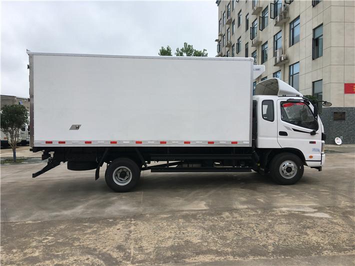 福田欧马可排半5.2米冷藏车