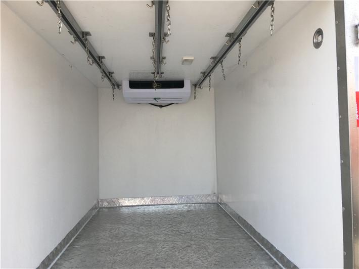 长安2.68米肉钩冷藏车图片