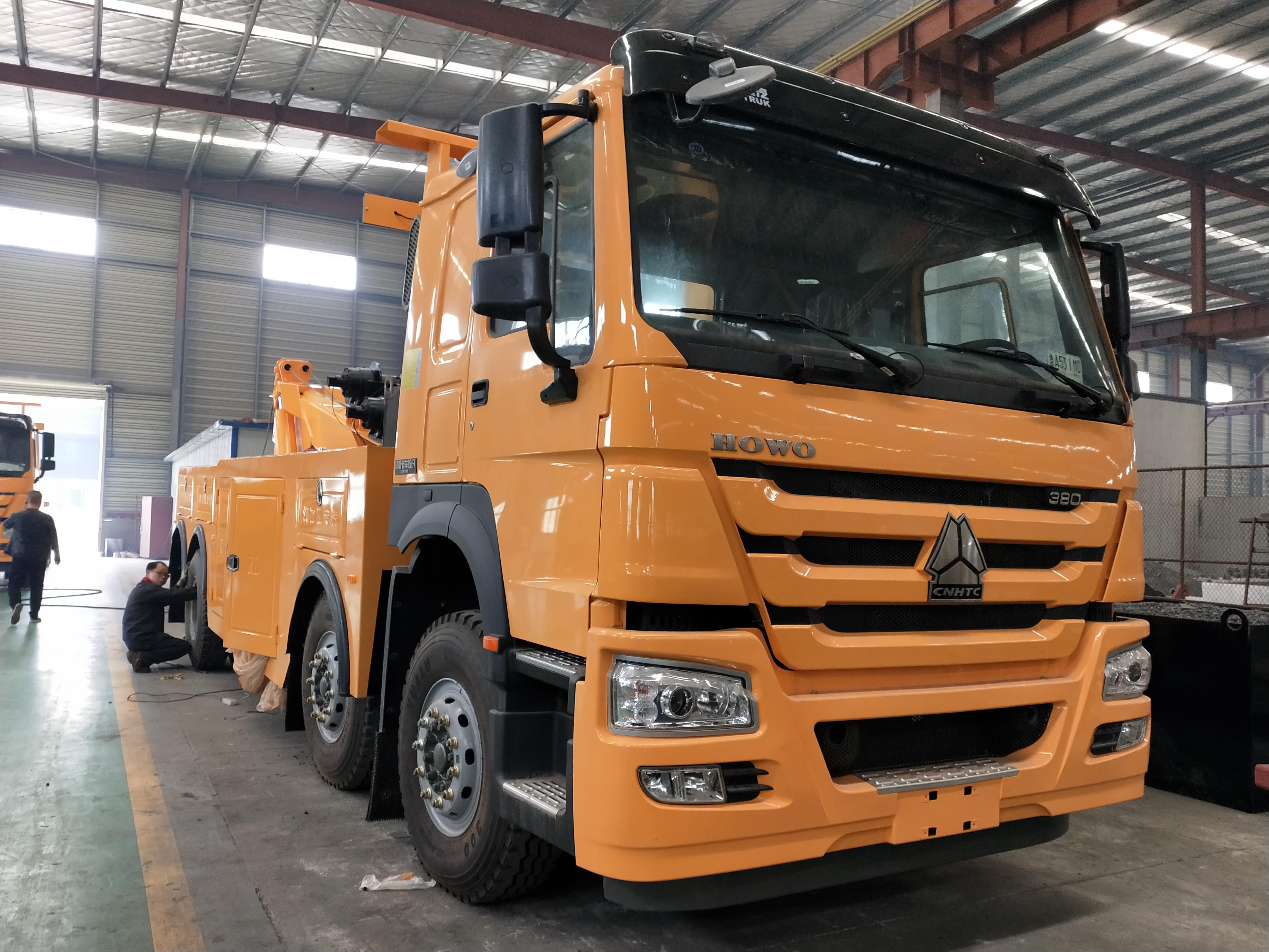重汽豪沃380马力大型拖车救援车厂家_双10吨绞盘拖车价格