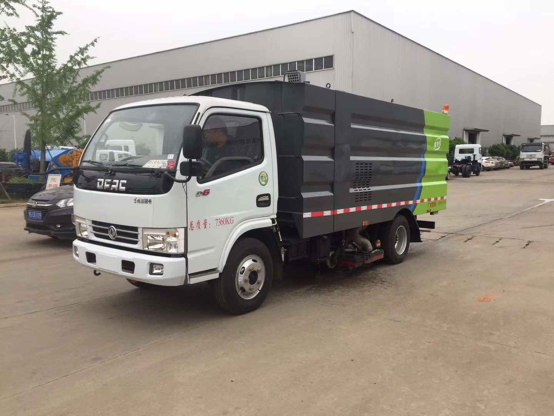 东风多利卡5方吸尘车煤厂现场作业