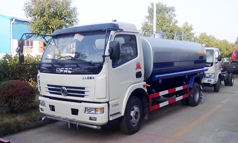 国六洒水车-东风大多利卡8立方厂家出厂价