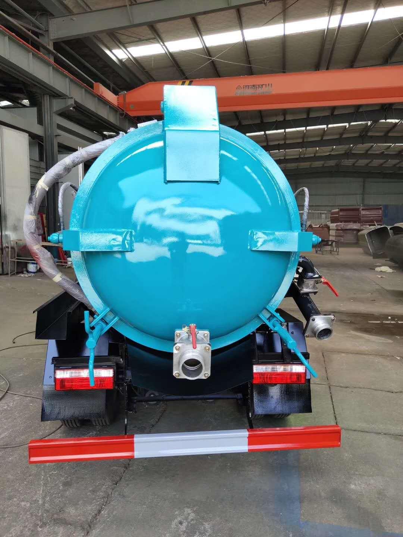 东风小多利卡5.5方吸污车,适用于小区排污,下水道排污图片